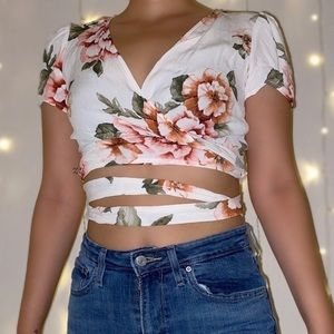 White floral crop top!